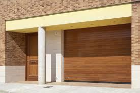 puertas de cocheras automaticas puerta de garaje seccional de madera maciza autom磧tica