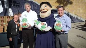 padres make thanksgiving dinner in san diego mlb