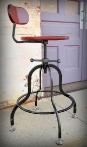 drehhocker holz magis sgabelli tom jerry best new furniture at salone del mobile