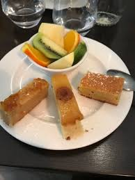 cuisine ile de la reunion assortiement de desserts et fruits frais picture of restaurant ile