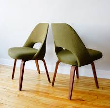 str8mcm eero saarinen side chairs