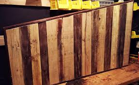Building A Wooden Desk Top by How To Make A Pallet Desk U2013 Fringe Focus Fantastic Factory