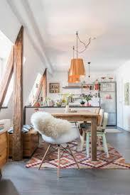 Pendelleuchte Esszimmertisch Küchengestaltung Ideen Holzbalken Kupferfarbene Pendelleuchten
