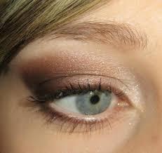 maquillage mariage yeux bleu les 25 meilleures idées de la catégorie maquillage des yeux bleu