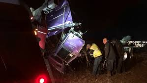 driver walks away from 18 wheeler wreck on i 20