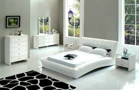 Black And White Bedroom Decor by How To Choose The Best Cheap Bedroom Sets For Your Home Bedroom