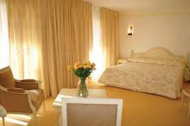 chambre provencale meubles de chambre provencale bois massif coup de soleil