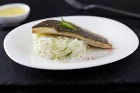 comment cuisiner le p穰isson comment saisir à la poele un filet de poisson technique de cuisine