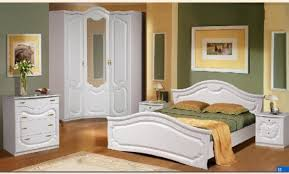 chambre a coucher but chambres coucher but trendy armoire chambre adulte but u chaios