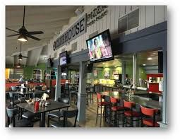 round table pizza vancouver mall round table s new clubhouse concept serving up sizzling sales