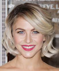 what kind of hairstyle does julienne huff have in safe haven julianne hough medium wavy formal hairstyle with side swept bangs