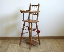 chaise haute poup e chaise haute vintage pour poupée le vintage dans la peau