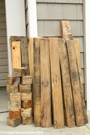 pallets diy mini picket fence from an old pallet