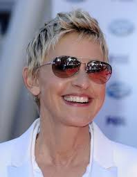short hairstyles for women over 60 in 2016 and 2017