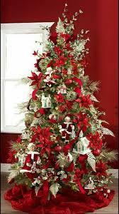 tappeti natalizi tendenze 2017 quali sono i colori per il tuo albero di natale