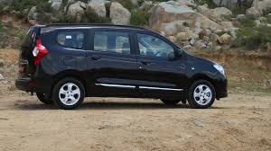 renault 7 seater suv renault lodgy 2017 price mileage reviews specification