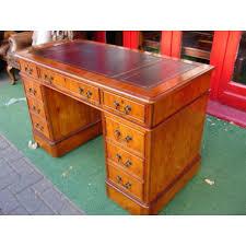 bureau style victorien petit bureau en bois d if