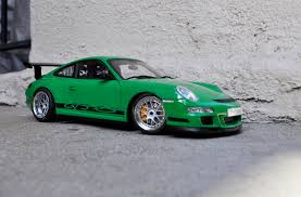 porsche 911 gt3 rs green autoart porsche 997 gt3 rs signal green modified dx modelwerks