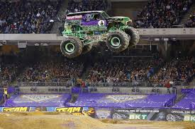 monster trucks grave digger monster jam 2016 sydney