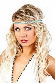 Frisuren Selber Machen Haarband by Romantisch Gelockte Frisur Mit Haarband Frisuren Mit Haarband
