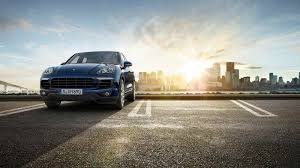 Porsche Cayenne Towing Capacity - cayenne breaks new record for towing world u0027s largest passenger