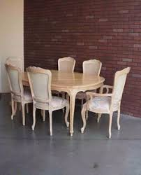 French Provincial Dining Table Henredon French Country Round Dining Table With 2 Leaves And 4