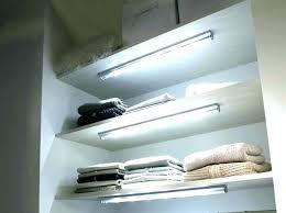 eclairage led sous meuble cuisine lumiere sous armoire cuisine la led sous eclairage sous meuble