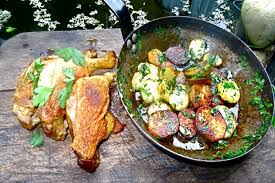 cuisiner des cuisses de canard confites recette de cuisse de canard confite au four pommes sautées à la