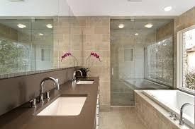 einrichtung badezimmer badezimmer einrichten foto oben genommen kleines bad