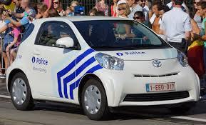 toyota iq file toyota iq de la police locale de mons quévy jpg wikimedia