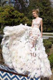 boutique robe de mari e robe de mariée prestigieuse avec pétales de fleurs oksana mukha