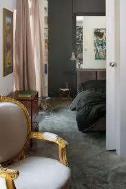 Schlafzimmer In Grau Apartment Mit Modernen Und Vintage Akzenten In Polen