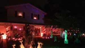 homes decorated for halloween halloween send us pics of your outrageously decorated homes the