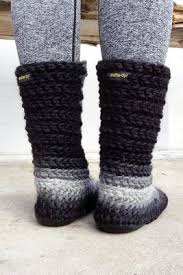 womens slipper boots size 9 best 25 crochet slipper boots ideas on slipper boots