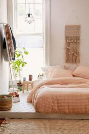 Pinterest Bedroom Decor by Best 25 Peach Bedroom Ideas On Pinterest Peach Colored Rooms