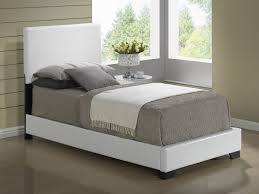 Twin Bed Size In Feet Global Furniture 8103 Twin Pu Bed In White