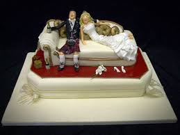 pictures 4 of 20 lounge sofa funny wedding cakes photo gallery