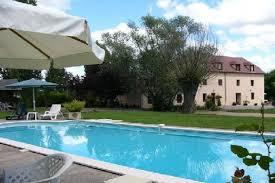 chambres d hotes avec location chambres d hotes avec piscine et vue sur la cagne