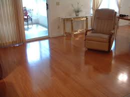 attractive laminate flooring that looks like wood with images