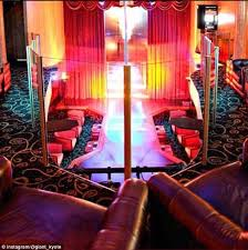 Pole Home Designs Gold Coast Gold Coast Stripper In Hospital After Falling From A Pole At