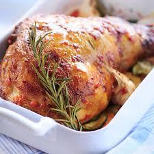 cuisiner un gigot d agneau au four recette gigot de pâques aux petits légumes cuisine madame figaro