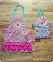 reusable shopping bag to apron my sister u0027s suitcase packed