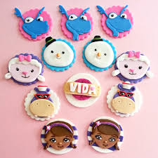 doc mcstuffin cake toppers doc mcstuffins fondant cupcake toppers by dscustomtoppers on etsy