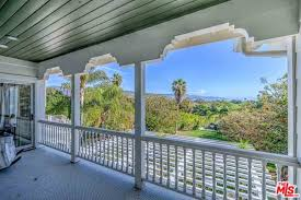 trulia malibu the malibu home of elsa pataky and chris hemsworth celebrity