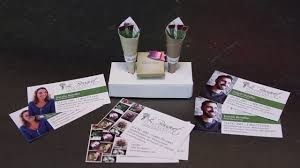 Clever Business Cards Clever Business Cards You Can Fold Into A Bouquet Of Flowers Youtube