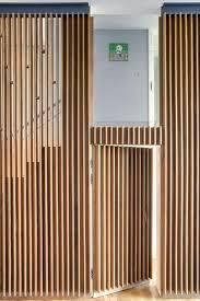 bardage bois claire voie lambris mural design et panneaux déco en lamelles de bois