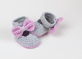 lavender bow tie crochet baby booties u2013 croby patterns