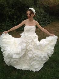 you u0027ll never guess what this wedding dress is made of toilet