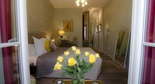 bordeaux chambres d hotes au coeur de bordeaux chambres d hôtes et cave à vin book