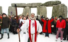 druids and pagans celebrate winter solstice at stonehenge telegraph